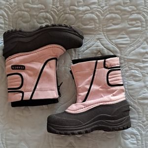 Itasca girls winter boots